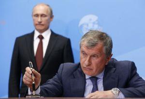 Vladimir Putin and Igor Ivanovich Sechin